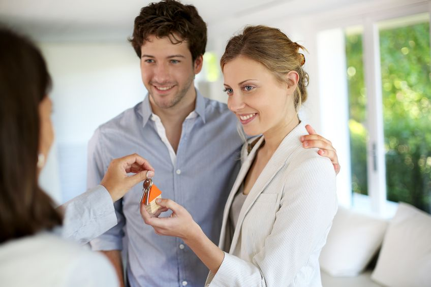 Hypotéku pre mladých s nižším úrokom môžu získať klienti ktorí majú vek do 35 rokov, zvýhodnenie platí do výšky 50.000 eur, celková suma úveru nesmie prekročiť 70% hodnoty danej nehnuteľnosti…Čítaj ďalej…