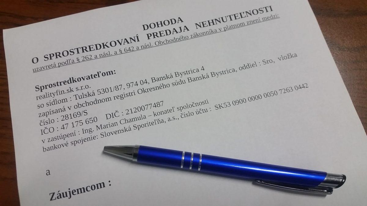 Zo zákona má realitná kancelária povinnosť uzatvoriť sprostredkovateľskú zmluvu v písomnej podobe (zákon č. 102/2014 Z.z.) a klientovi odovzdať podpísanú zmluvu. Klienti sú tým zo zákona chránený pred predajom, alebo prenájmom…